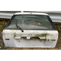 Mazda 323 csomagtér ajtó